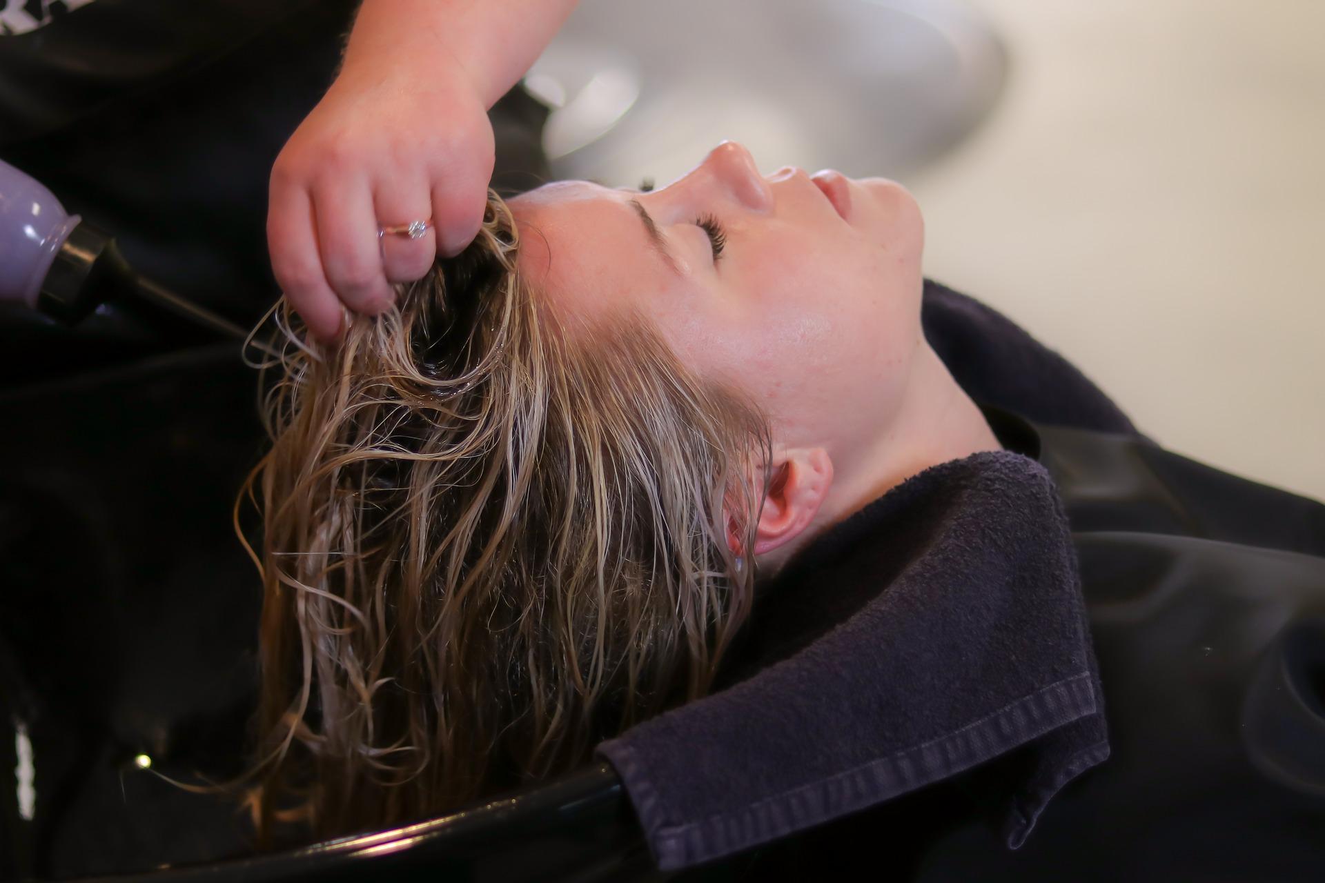 hårbehandling för slitet hår